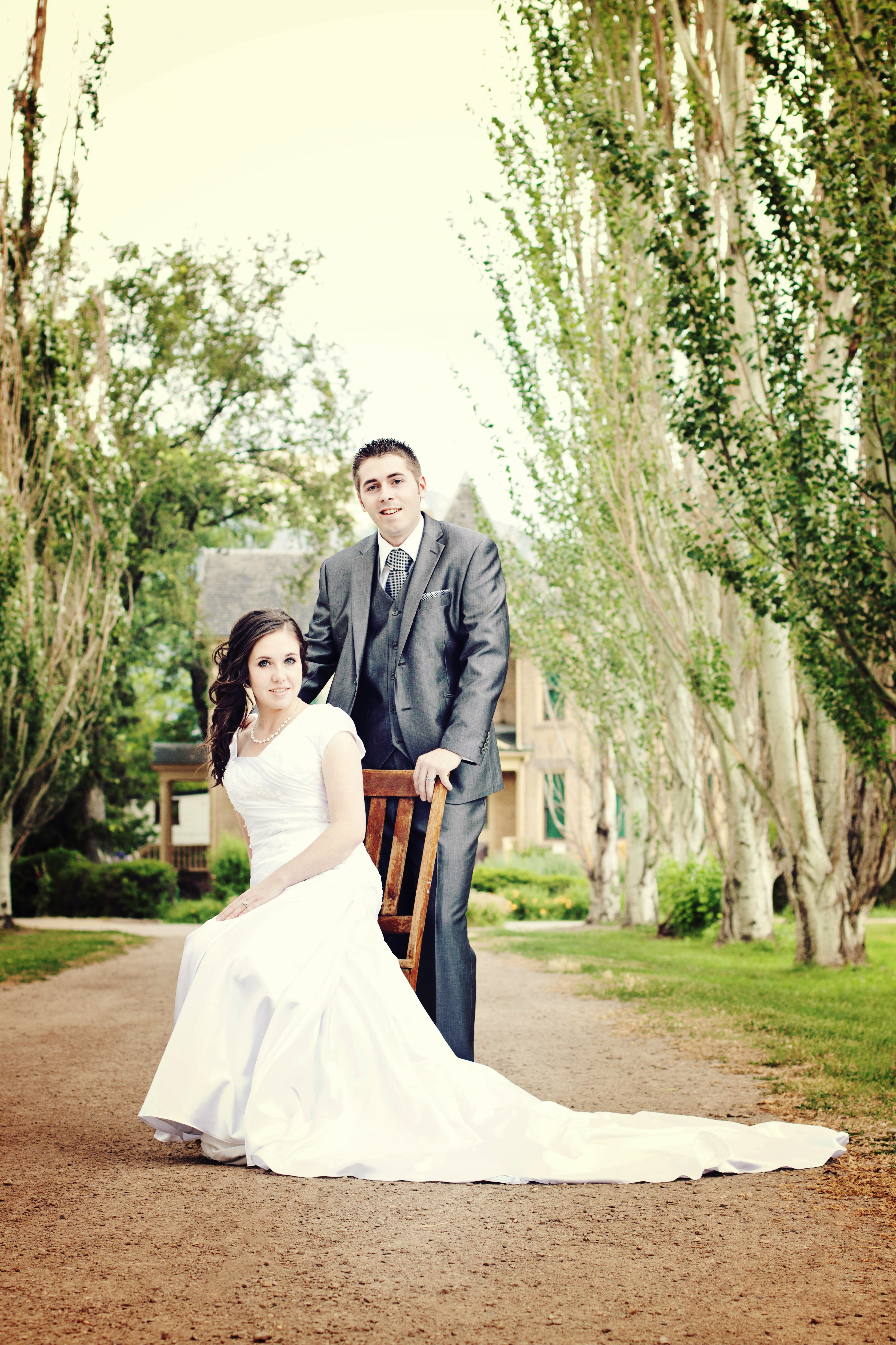 Groomals effervescent media works for Affordable utah wedding photographers